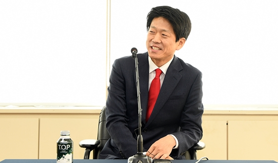 김영삼 사무총장