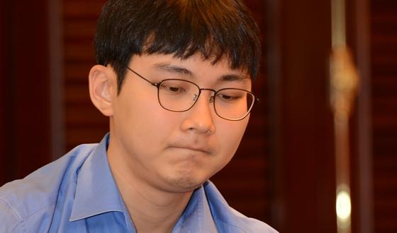 박정환, 중국과 4대1 싸움 시작됐다