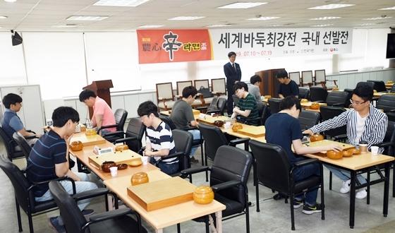 '양이(兩李)' 이창호·이세돌 나란히 6회전 진출