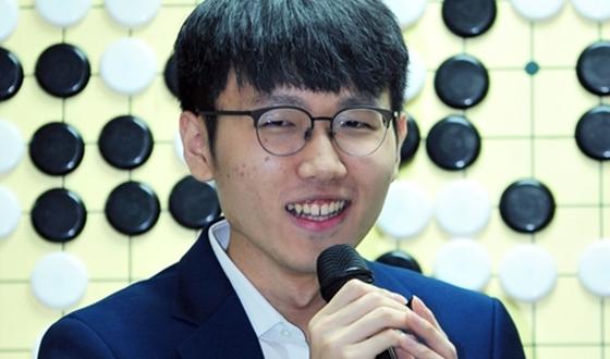 신진서, 4개월 연속 정상…최정, 22위 개인최고랭킹