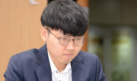 '내용, 결과 모두 완벽' 신진서, 박정환에게 7전전승