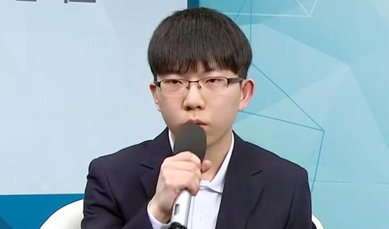 """현유빈 """"신진서와 16강, 꼭 이겨보고 싶다"""""""