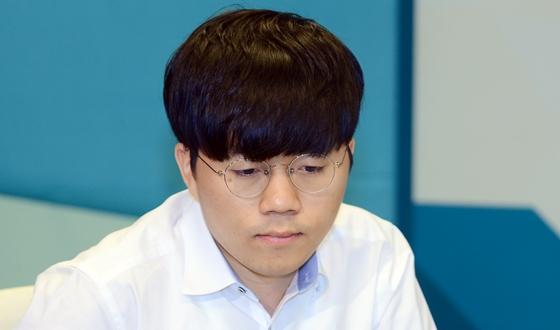 신민준, 류수항에게 힘겹게 승리