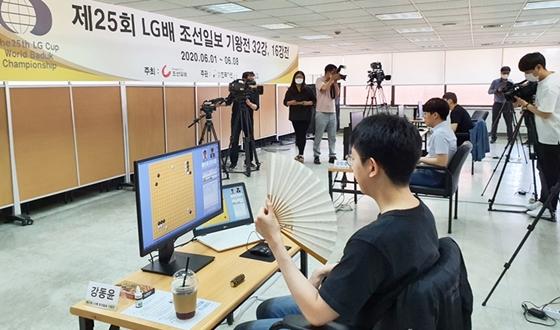 코로나로 올스톱 된 세계대회 '온라인 고고씽'