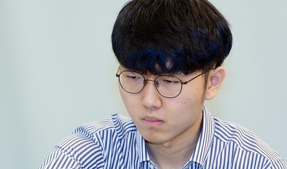신진서, 박정환에게 1국 승리 '결승은 액션으로'
