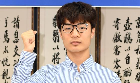 문민종, 중국 트리오 연파 '깜짝' 우승컵