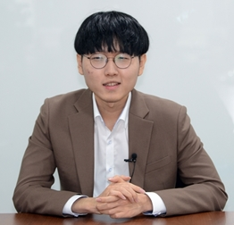 """신진서 """"커제 도발멘트 고마워!"""""""