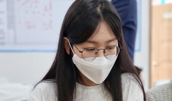 여자연구생 고미소, 黎明의 劍 '깜짝 본선'