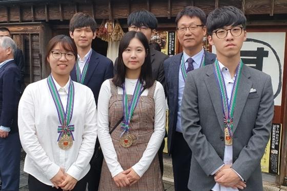 한국, 중국에 4대1 압승…3년만에 우승 탈환
